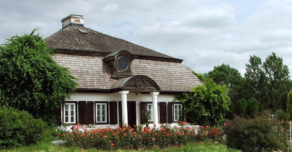 Dom w stylu dworkowym