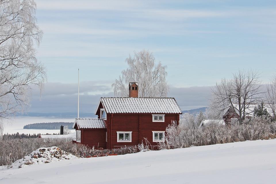 Dom szwedzki zimą