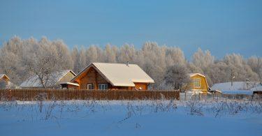 Drewniany dom bungalow