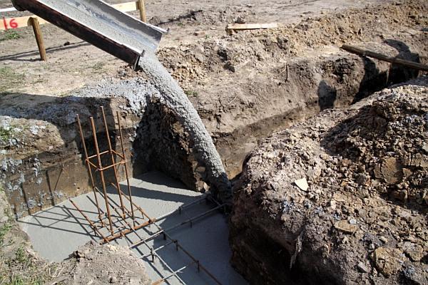 Budowa domu krok po kroku - wylewka fundamentów