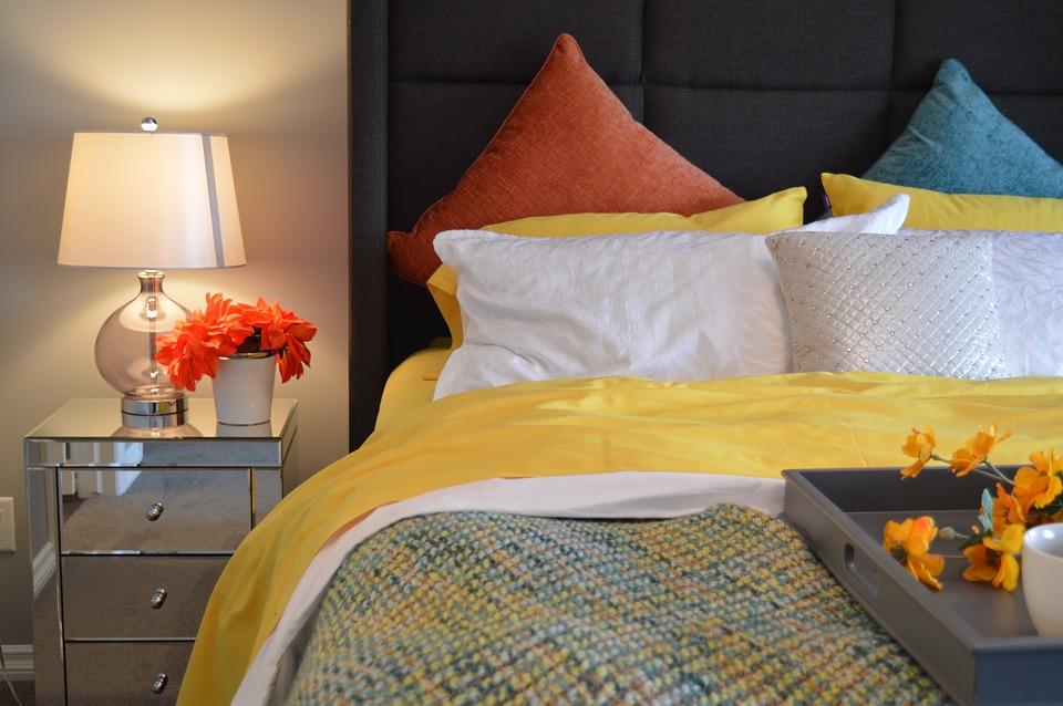 Jaki kolor do małej sypialni wybrać - inspiracje