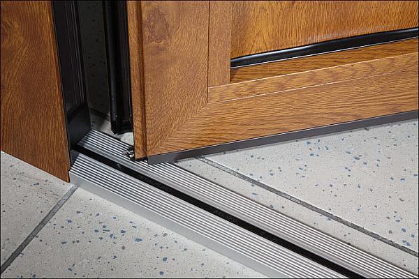 Prawidłowe osadzenie drzwi