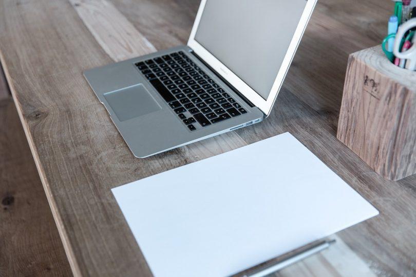Wygodne i nowoczesne biuro w domu